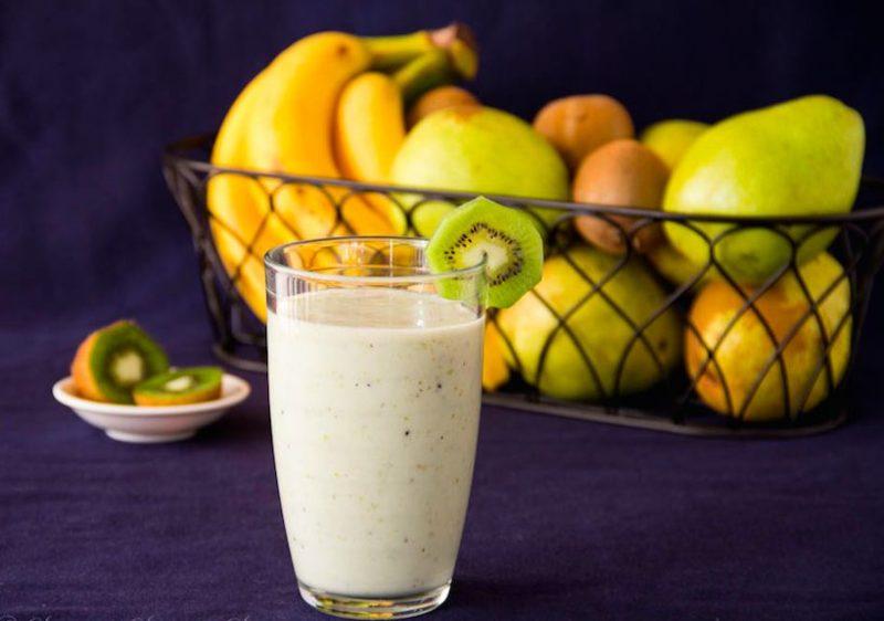 вкусный смузи с бананом