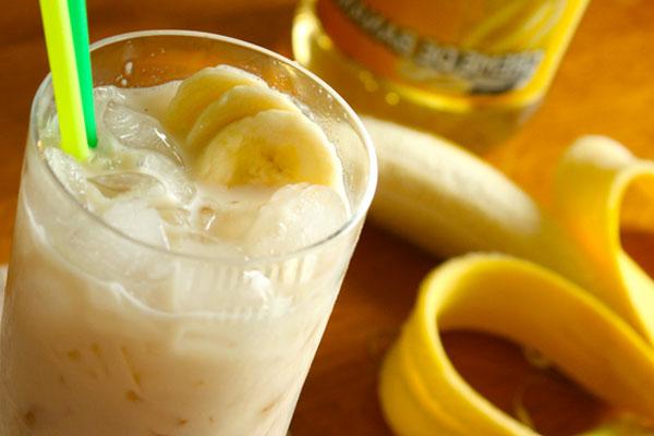 молочный коктейль с бананом рецепт